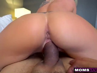 MomsTeachSex – Jerking Off To My Step Mom And She Wakes Up! S9:E6